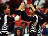 中国女排庆祝胜利