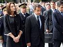 萨科齐在巴黎圣母院出席法航空难悼念仪式