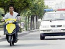 电动自行车超速,超载,强行,违章,不文明行为曝光 麻辣板报