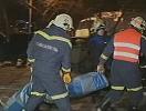 救援人员在爆炸现场