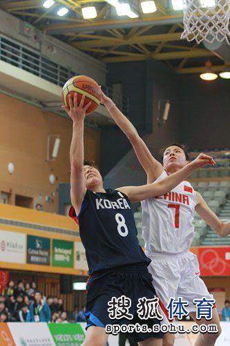 中国女篮78-62擒韩国