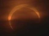 青岛日食呈完美环形有云半遮半掩