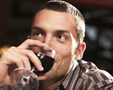 喝红酒降低男性肺癌风险