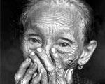 反复揭慰安妇们的伤疤,来宣传抗日战争的惨烈