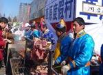 春节实拍庙会上的美食