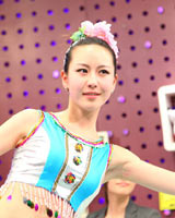 17岁张紫炜跳傣族舞