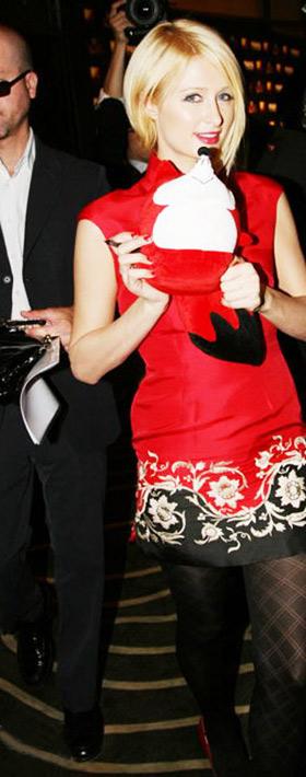 帕丽斯·希尔顿狂迷东方时尚