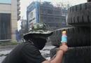 红衫军自制火箭筒抗议