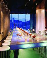 叹香港之前卫奢华:半岛FELIX酒吧