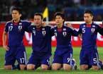 日本队集体下跪
