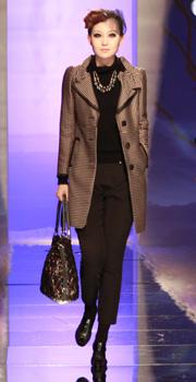 欧柏兰奴OMNIALUO时装发布会,2010秋冬,秀场,模特
