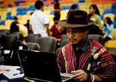 直击坎昆气候大会:身着民族服饰的原住民代表