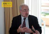 直击坎昆气候大会:专访世界气象组织秘书长:雅罗