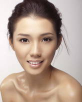 模特:冼燕坚