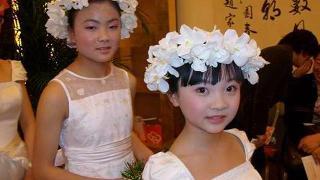 林妙可上微博回应 12岁丰胸照