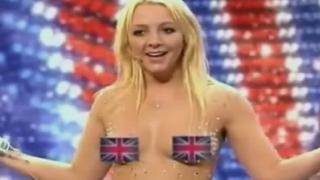 山寨小甜甜近大尺度表演 热爆英国达人秀