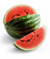 西瓜糖分比较高,孕妇不宜多吃