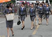 制服美女集体入场