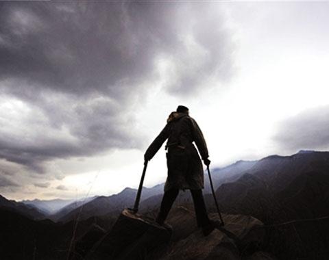 山上本没有路,你要是较真,它还真能出来一条路。一晃6年,如今,我的心愿实现了,你走这条山路,我保证你不栽跟头。