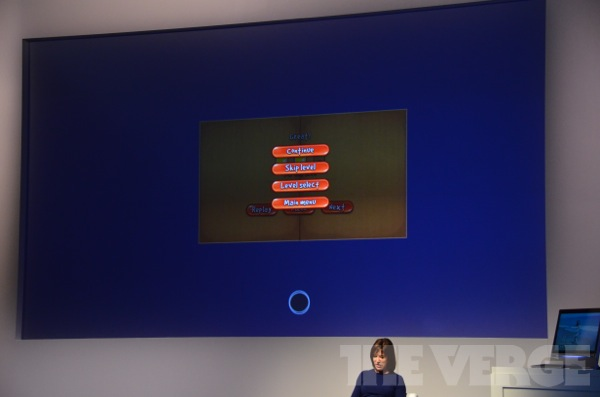 8中,你不需要关闭应用,但如果你想,只需从屏幕顶端向下滑动.