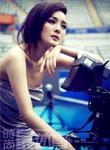 女星杨幂《时尚最体育》网球宝贝 呈现清纯性感