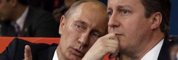 普京卡梅伦观战柔道比赛 两人有说有笑