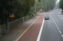 英国用路面刻度帮助驾驶者获知车速