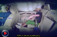 视频:儿童安全座椅假人侧撞测试