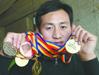 母亲身患尿毒症 自行车冠军抵押8金牌救母