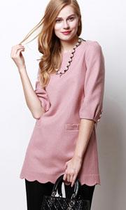 七分袖粉色薄羊毛呢裙子