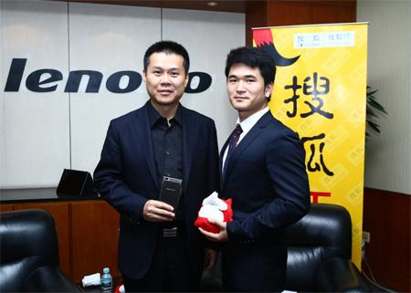 联想中国区总裁陈旭东(左)