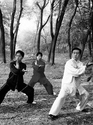 陈正雷和子女练拳