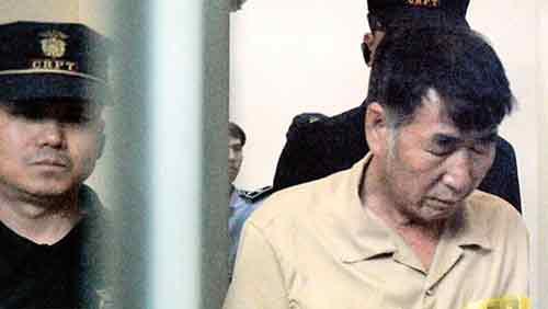李俊锡被押往法庭(网页截图)