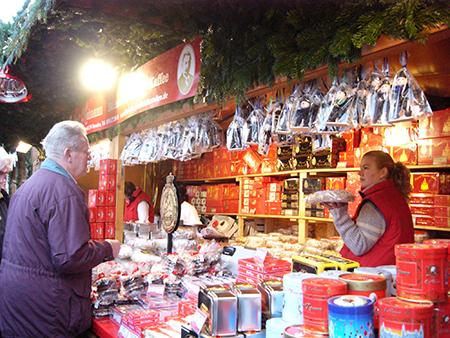 Stollen是耶诞市集中最应景的食物