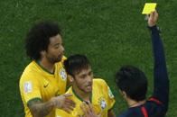 世界杯首张黄牌