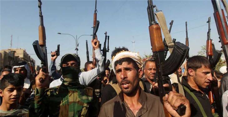 伊拉克民众扛枪入伍 反击极端组织进攻