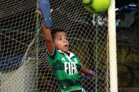 巴西贫民窟的足球少年