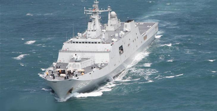 中国最大两栖登陆舰