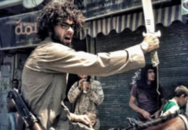 "ISIS现富二代""战士"" 骑马挥刀炫耀六块腹肌"