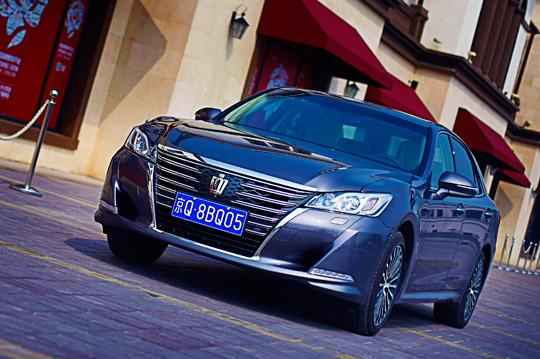 经得起挑剔的眼光 丰田皇冠设计大胆革新