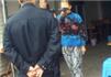 女子持刀威胁城管咬伤民警