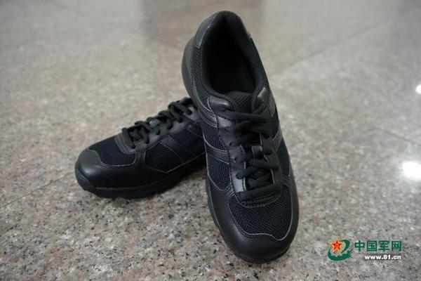 武警全面淘汰解放鞋 新鞋比解放99式先进太多