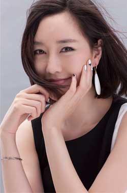刘晓晔优雅妩媚女人味十足