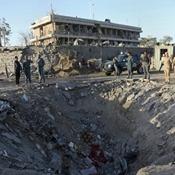 阿富汗首都爆炸致至少90人死亡 地面留7米深坑=