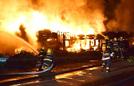 两货车高速相撞致4死
