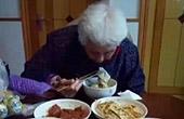 儿子为母亲做晚餐不重样