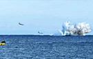 战斗机表演失误直坠大海