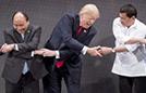 东盟峰会握手搞蒙特朗普