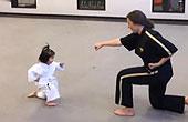 3岁萝莉学跆拳道超可爱