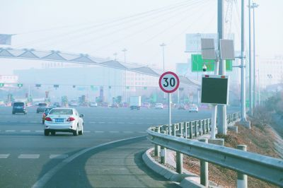 """一名交警能管一条高速路? """"智慧战警""""让不可能变可能"""